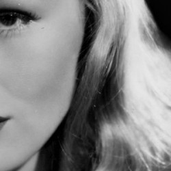 HAPPY BIRTHDAY…Veronica Lake!