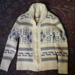 60s/70s womens pendleton zip-up sweater. Come and get it! #redlightvintage #vintage #shoplocal # pendleton
